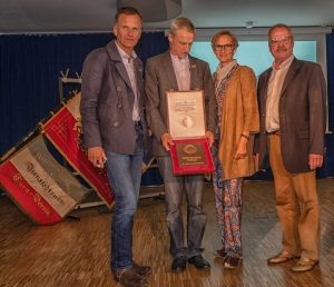 Staatsrat Christoph Holstein, Jörn Esemann, Gerlinde Reeker und Dr. Jürgen Mantell